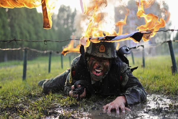 تمرینات نظامی (1)