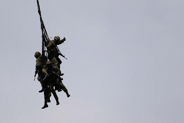 تمرینات نظامی (7)
