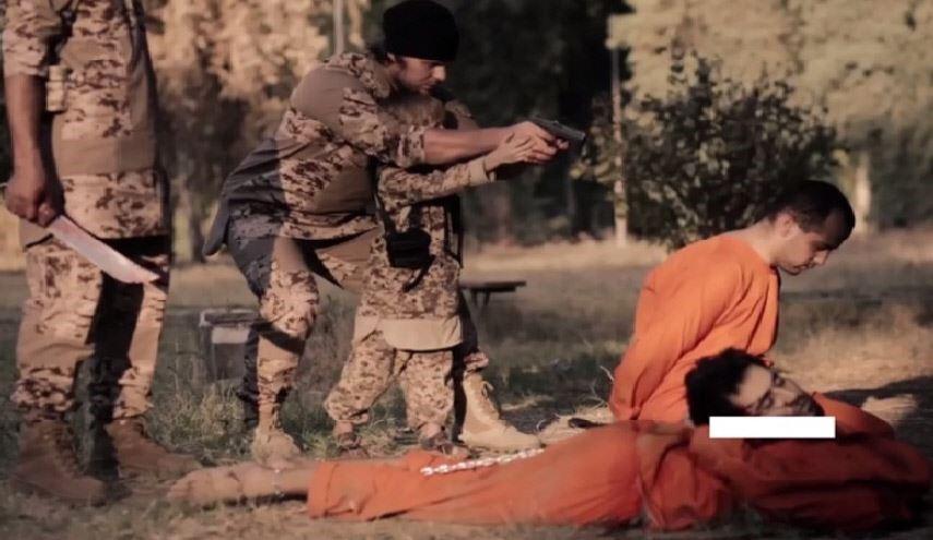 """""""داعش"""" يوثق إعدام عراقيين"""