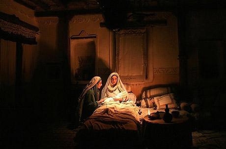 نقش آمنه مادر گرامی حضرت محمد مصطفی صل الله علیه و آله و سلم