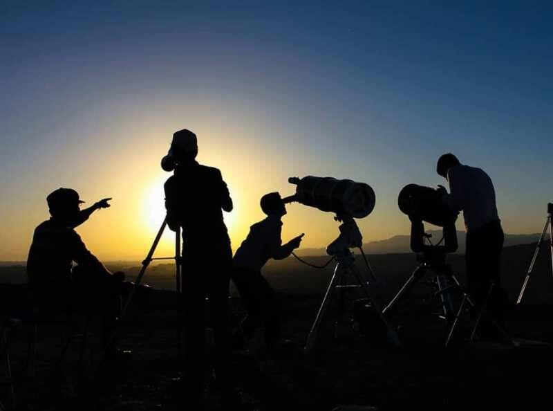 رؤیت هلال ماه با چشم مسلح و غیر مسلح