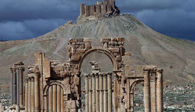حفاری داعش برای یافتن طلا در شهر تاریخی تدمر